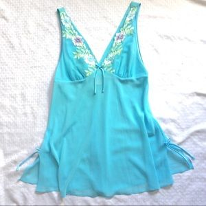 Light Blue V-Neck Chemise Embroider Trim SzL $10